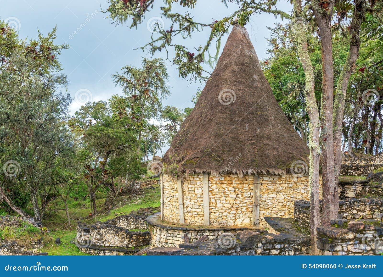 Oud Huis in Kuelap, Peru