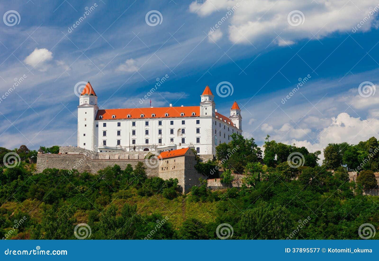 Oud Kasteel in Bratislava op Sunny Day