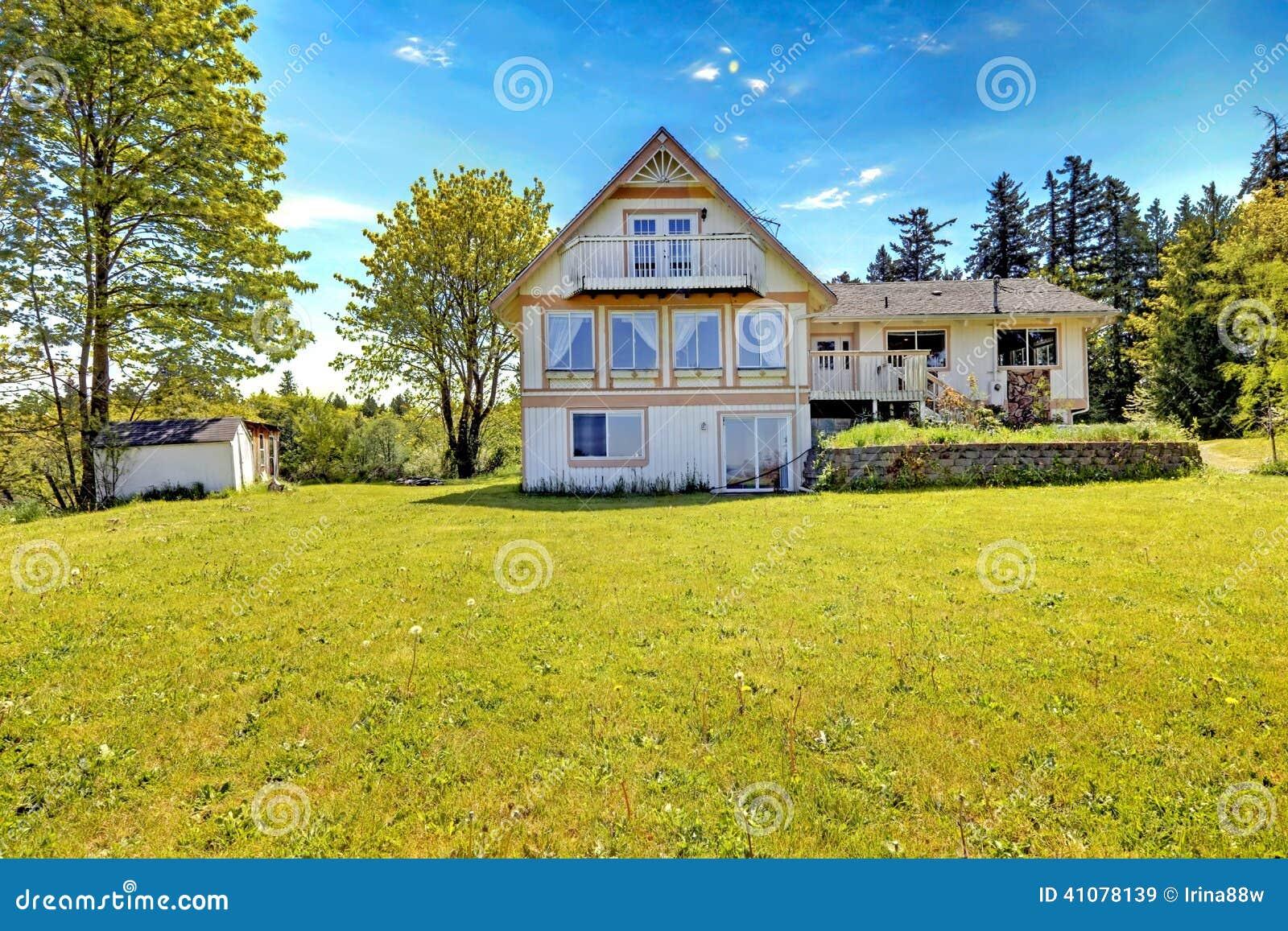 Oud lelijk huis stock afbeelding afbeelding bestaande uit deur 41078139 - Lay outs oud huis ...