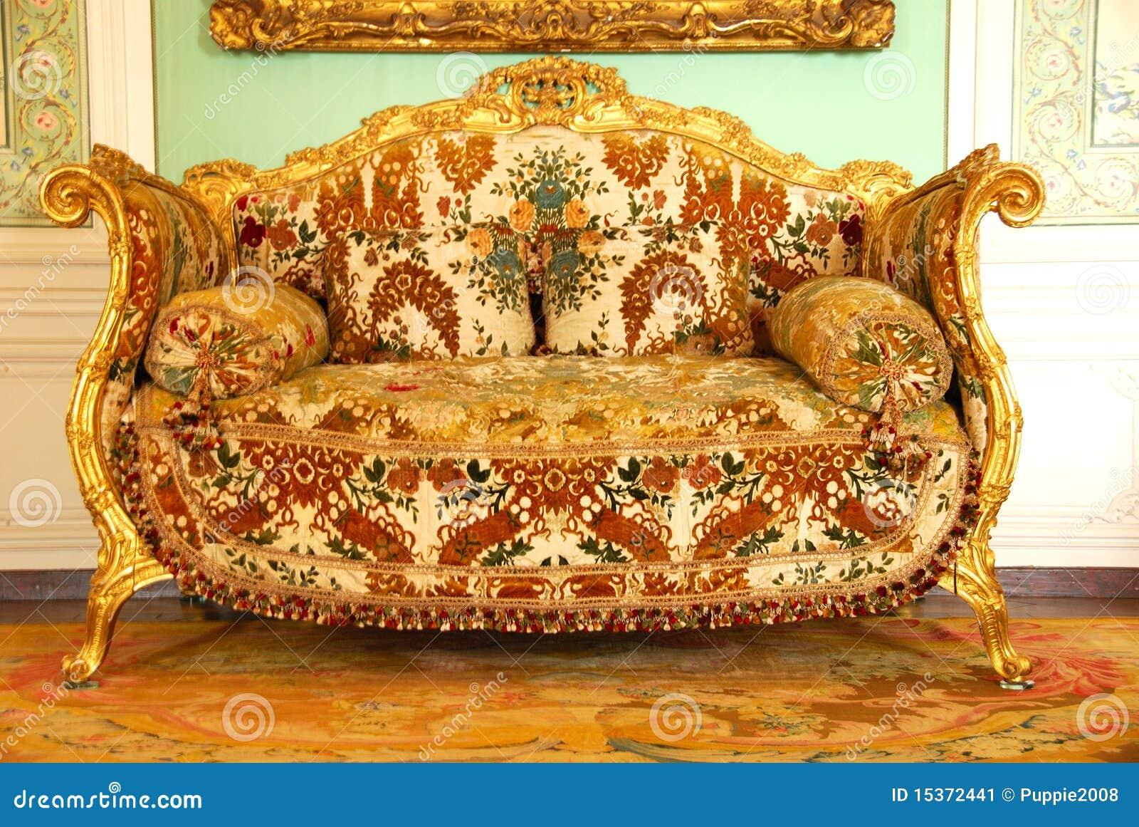 Oud meubilair bij paleis van versailles redactionele foto afbeelding 15372441 - Meubilair van binnenkomst grijs ...