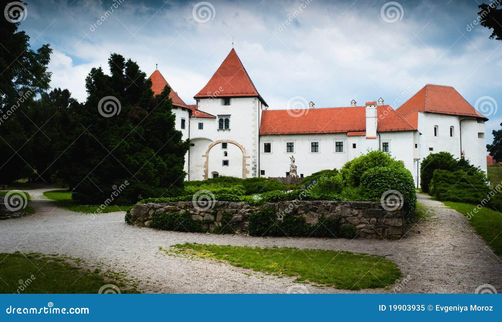Oud middeleeuws kasteel. Varazdin, Kroatië