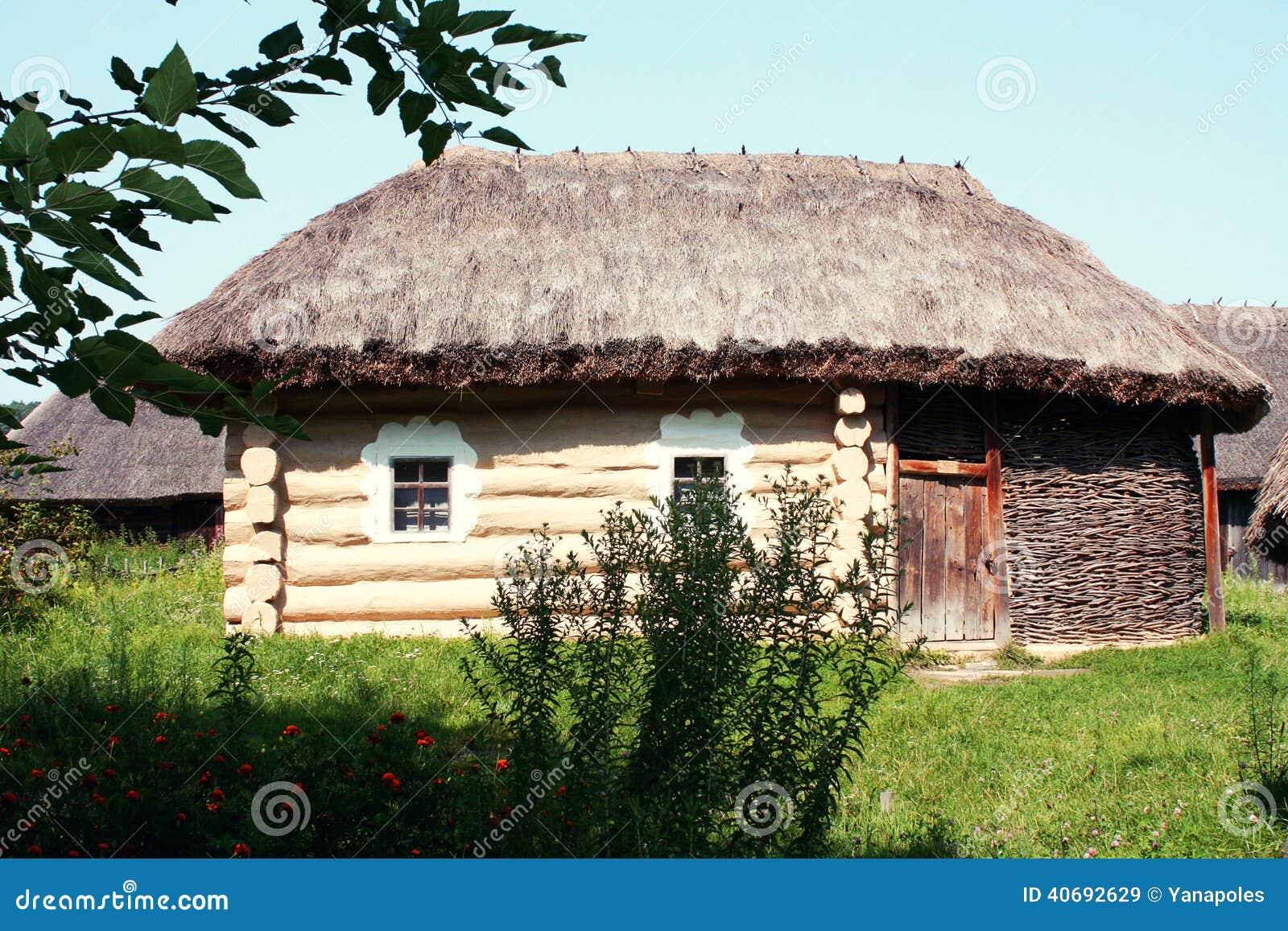 Oud oekra ens huis pirogovo kiev de oekra ne stock foto afbeelding 40692629 - Oud huis ...