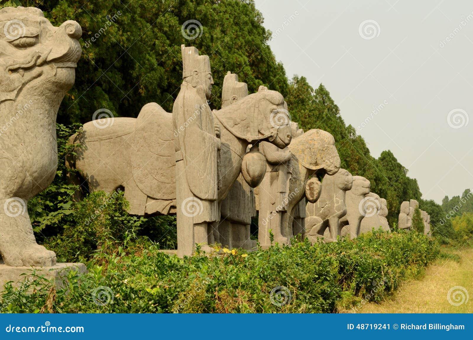 Oud Steenstandbeeld van Wachten en Amimals bij de Graven van de Lieddynastie, China
