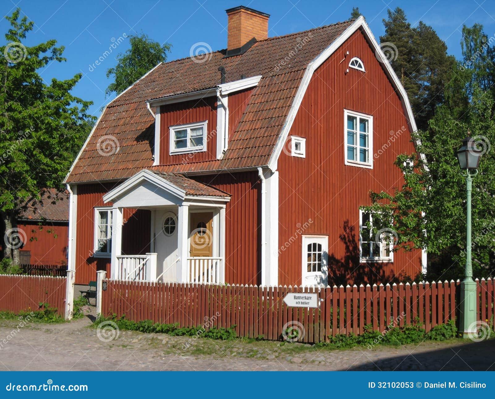 Oud typisch Zweeds rood huis. Linkoping. Zweden.