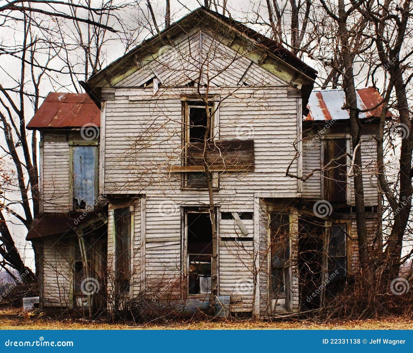 Oud verlaten huis royalty vrije stock foto 39 s afbeelding 22331138 - Verlenging hout oud huis ...