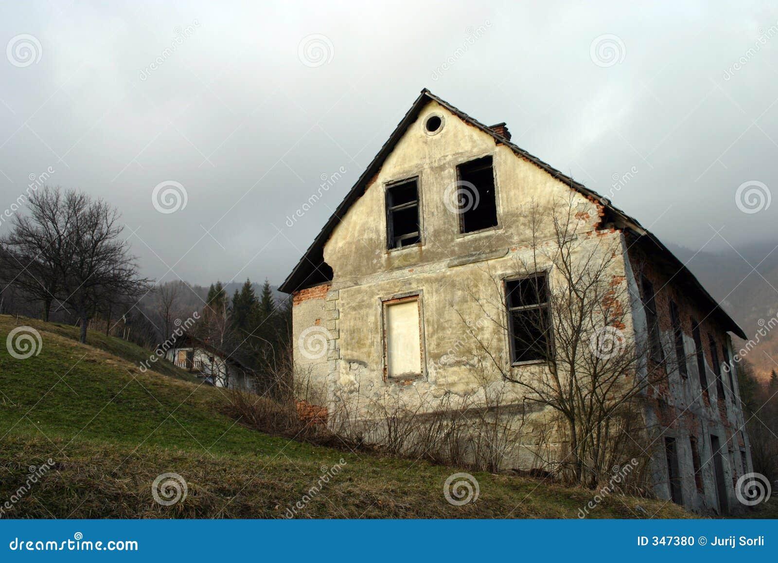 Oud verlaten huis stock foto afbeelding 347380 - Oud huis ...