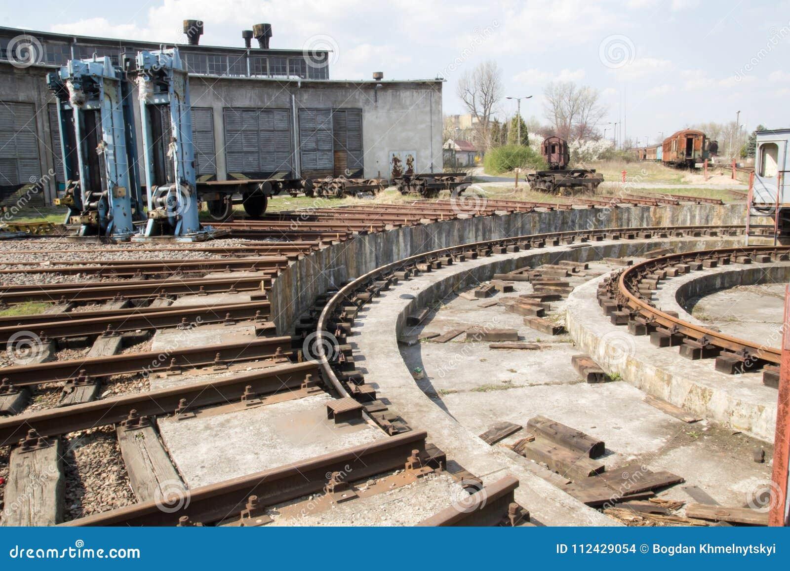 Oud verlaten treindepot Krakau Polen
