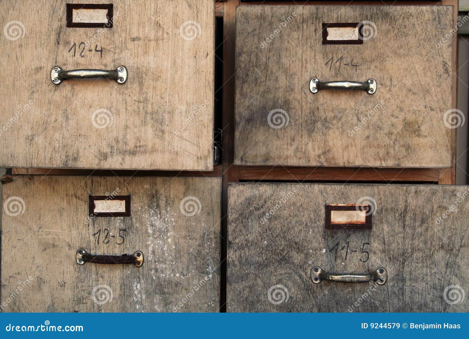 oude archiefkast royalty vrije stock afbeeldingen beeld 9244579. Black Bedroom Furniture Sets. Home Design Ideas