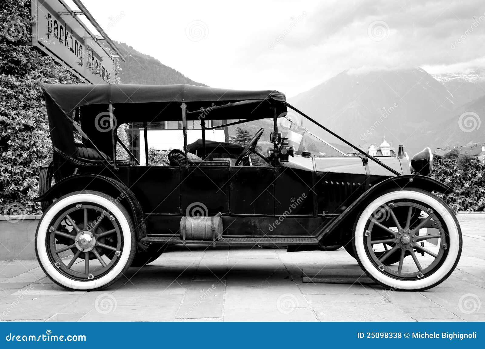Oude Auto Stock Foto Image Of Wiel Voertuig Zwart 25098338