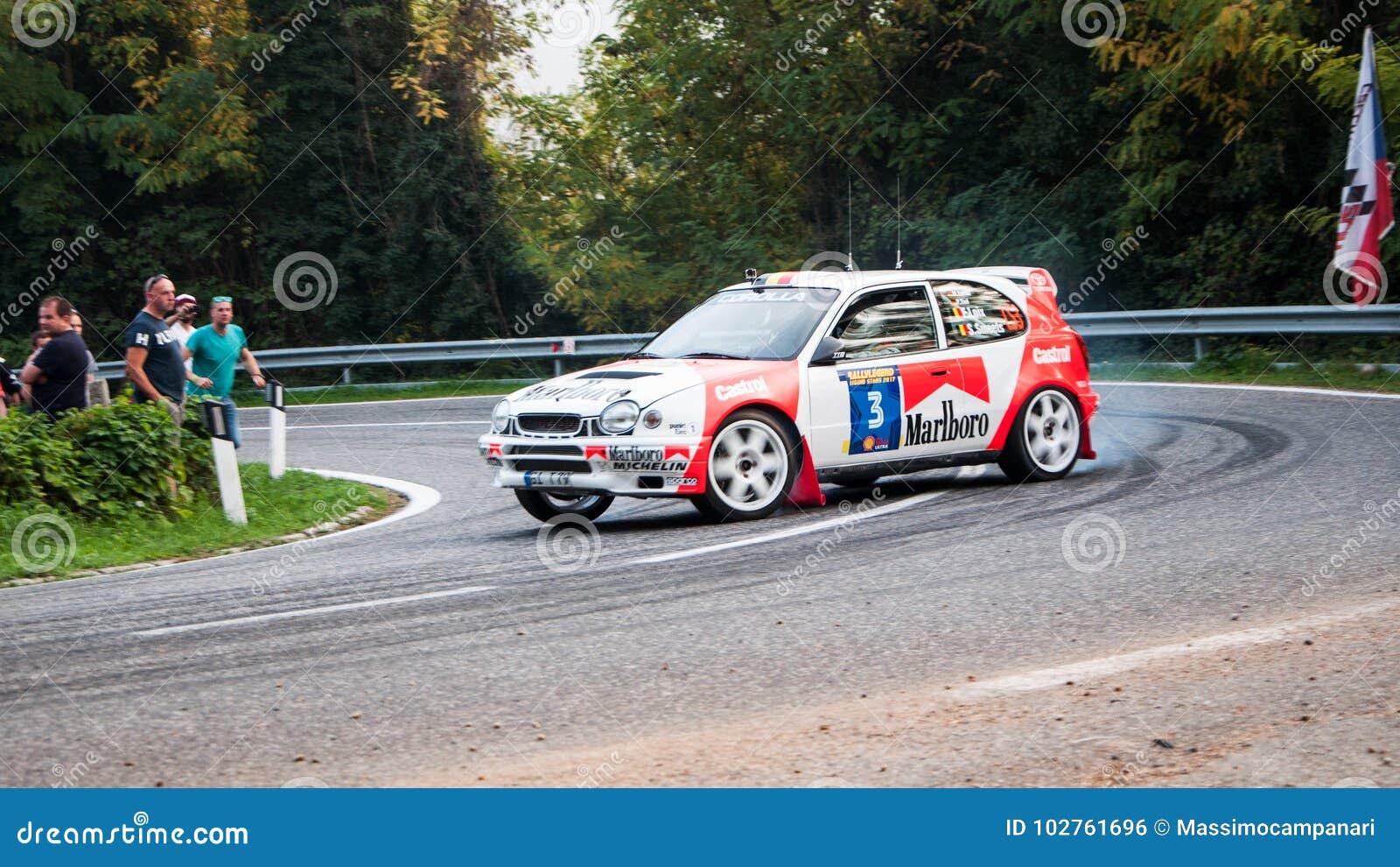 Oude de raceautoverzameling van TOYOTA COROLLA WRC 1998