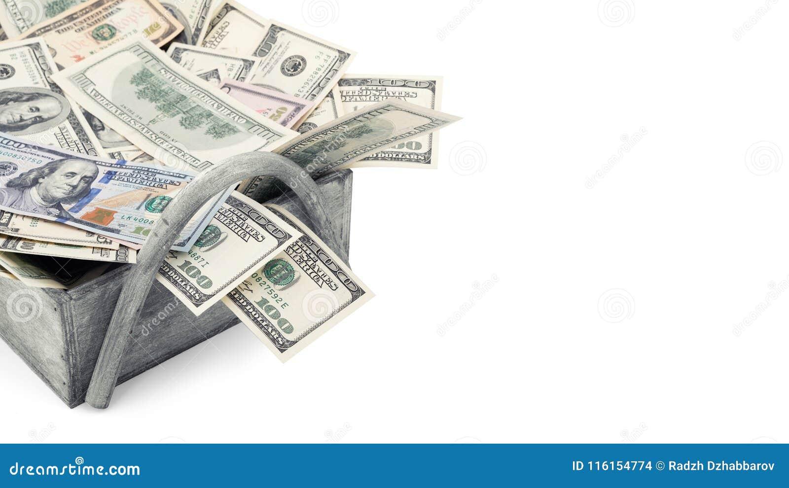 Oude en nieuwe honderd die dollarsrekening van het stapel Amerikaanse geld op witte achtergrond het knippen weg met exemplaarruim