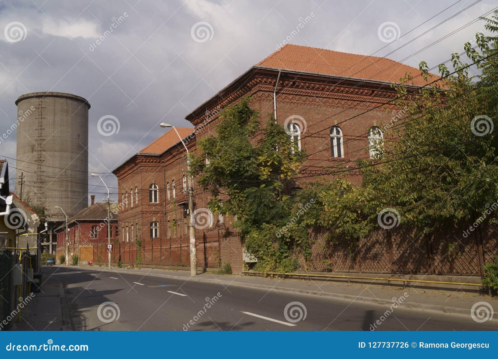 Oude gebouwen die tot Metallurgie Complex in Hunedoara-de Staalwerken behoorden