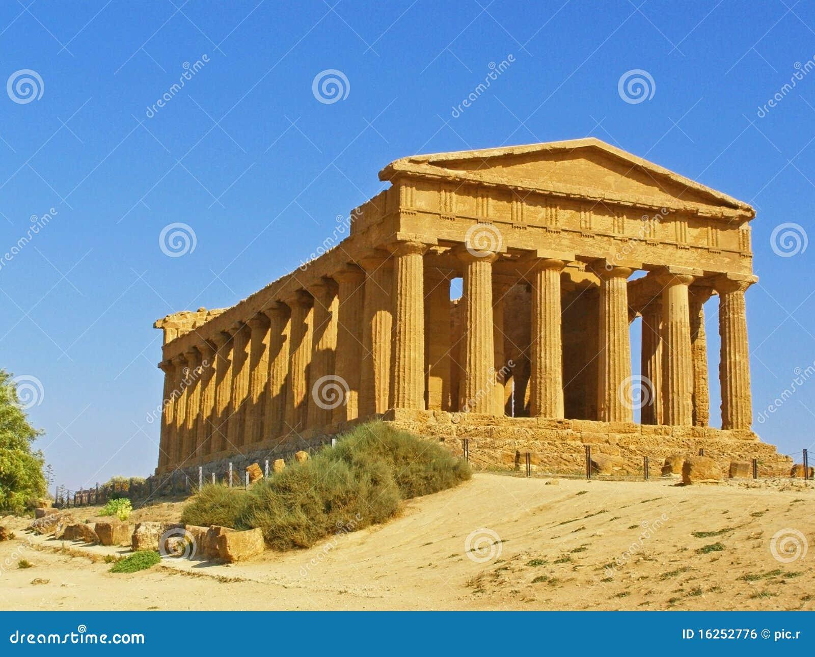 Oude griekse tempel royalty vrije stock afbeelding afbeelding 16252776 - Oude griekse decoratie ...
