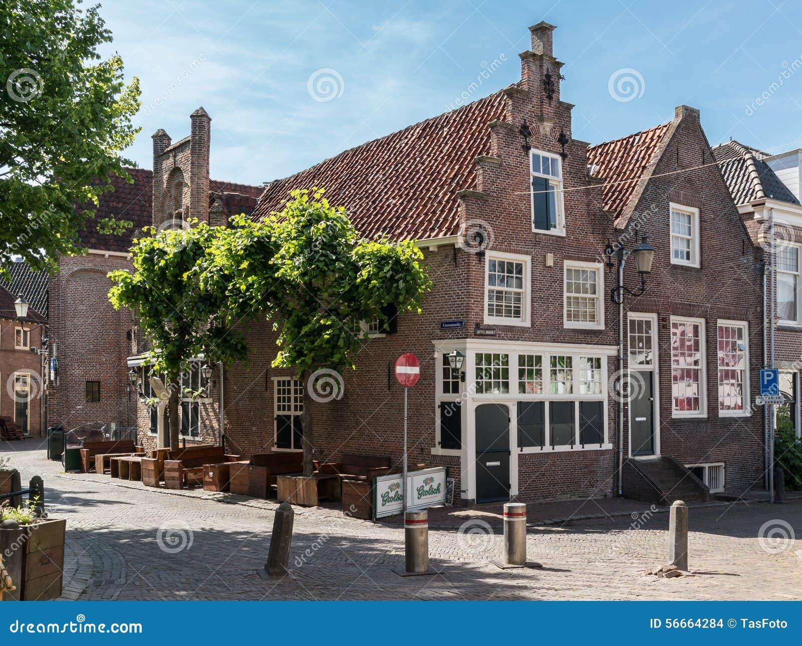 Oude huizen op groenmarkt in amersfoort nederland redactionele stock afbeelding afbeelding - Foto huizen ...