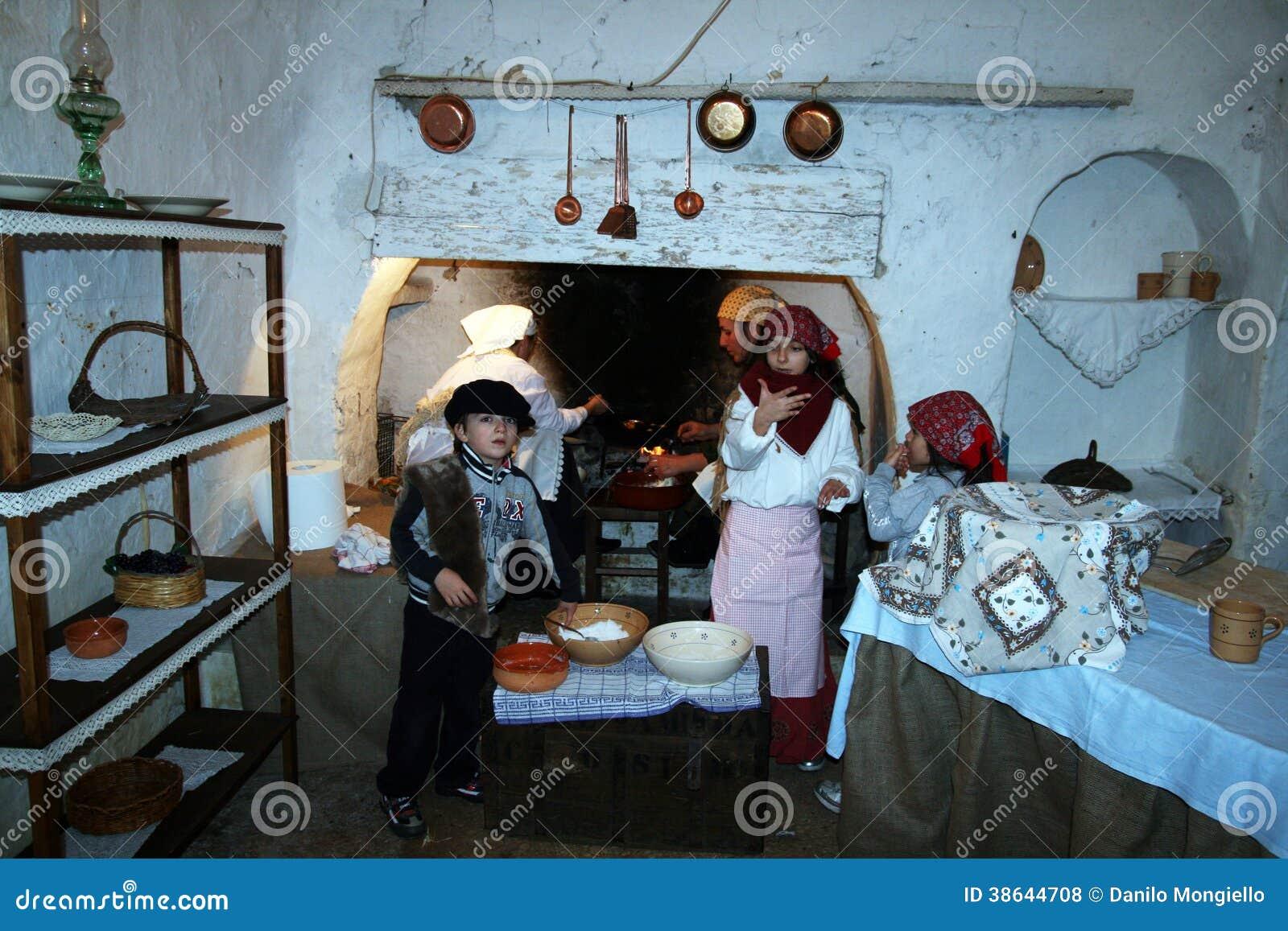 Oude keuken redactionele stock foto afbeelding 38644708 - Oude foto keuken ...