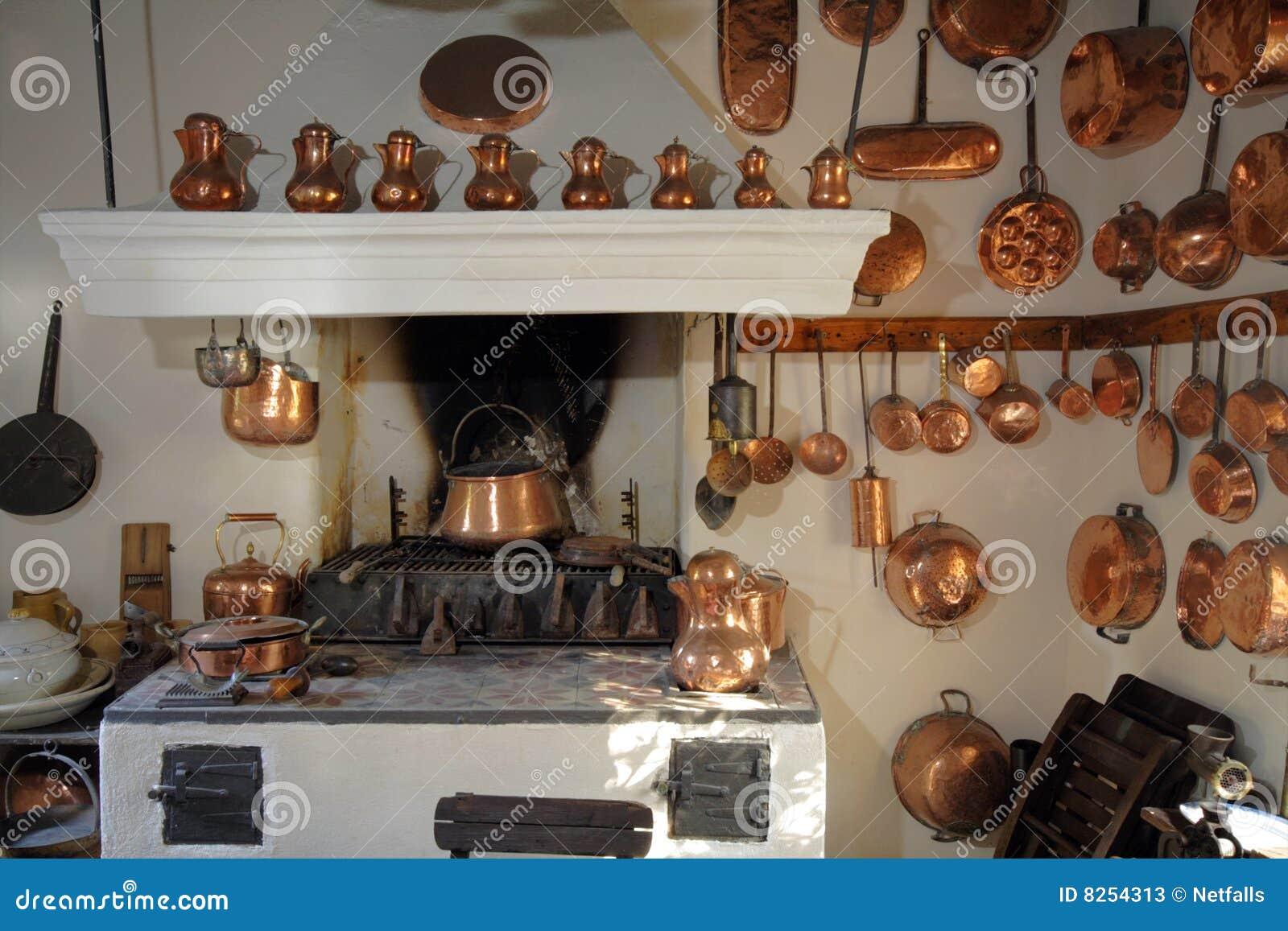 Oude keuken stock afbeelding afbeelding bestaande uit historisch 8254313 - Keuken in het oude huis ...