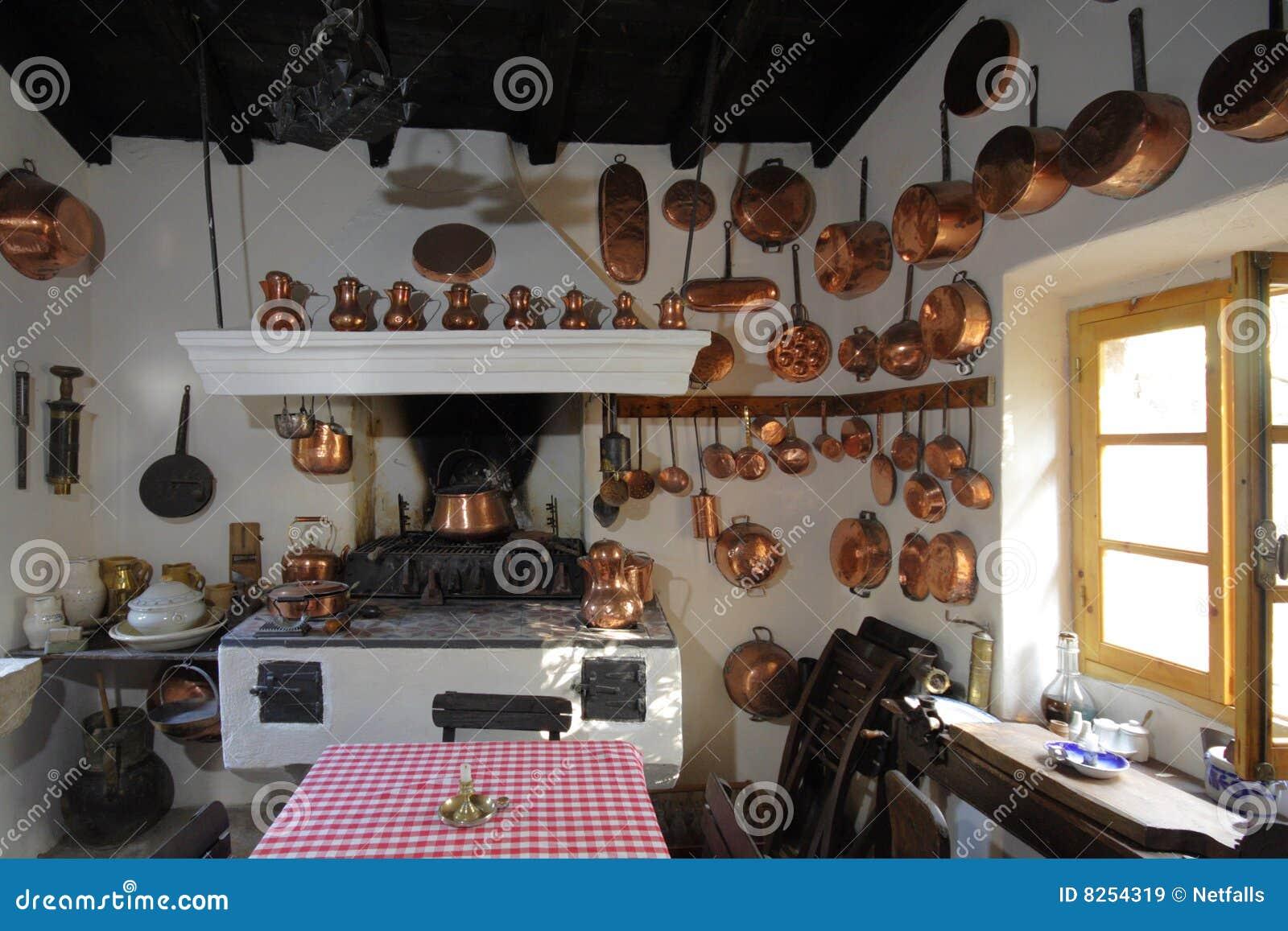 Oude keuken stock afbeelding afbeelding bestaande uit steen 8254319 - Keuken in het oude huis ...