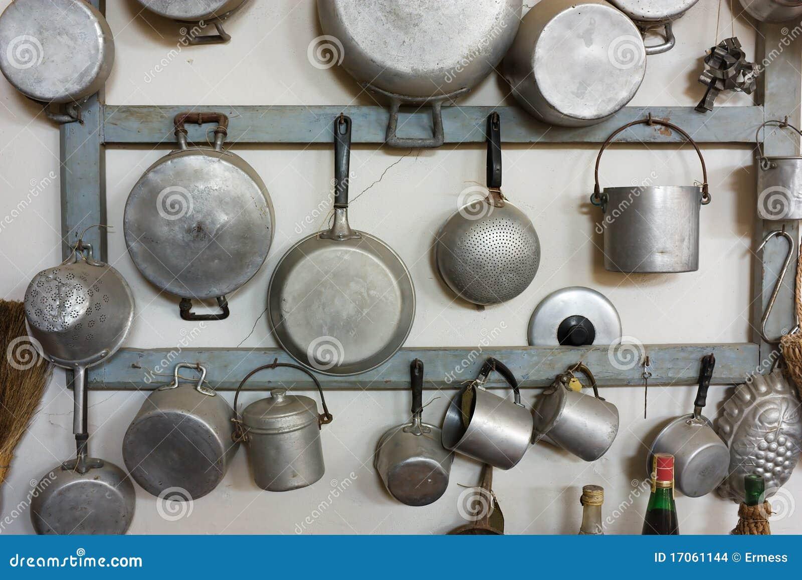 Retro Keukenapparatuur : Reeks oud keukengereedschap – retro apparatuur van grootmoeder het