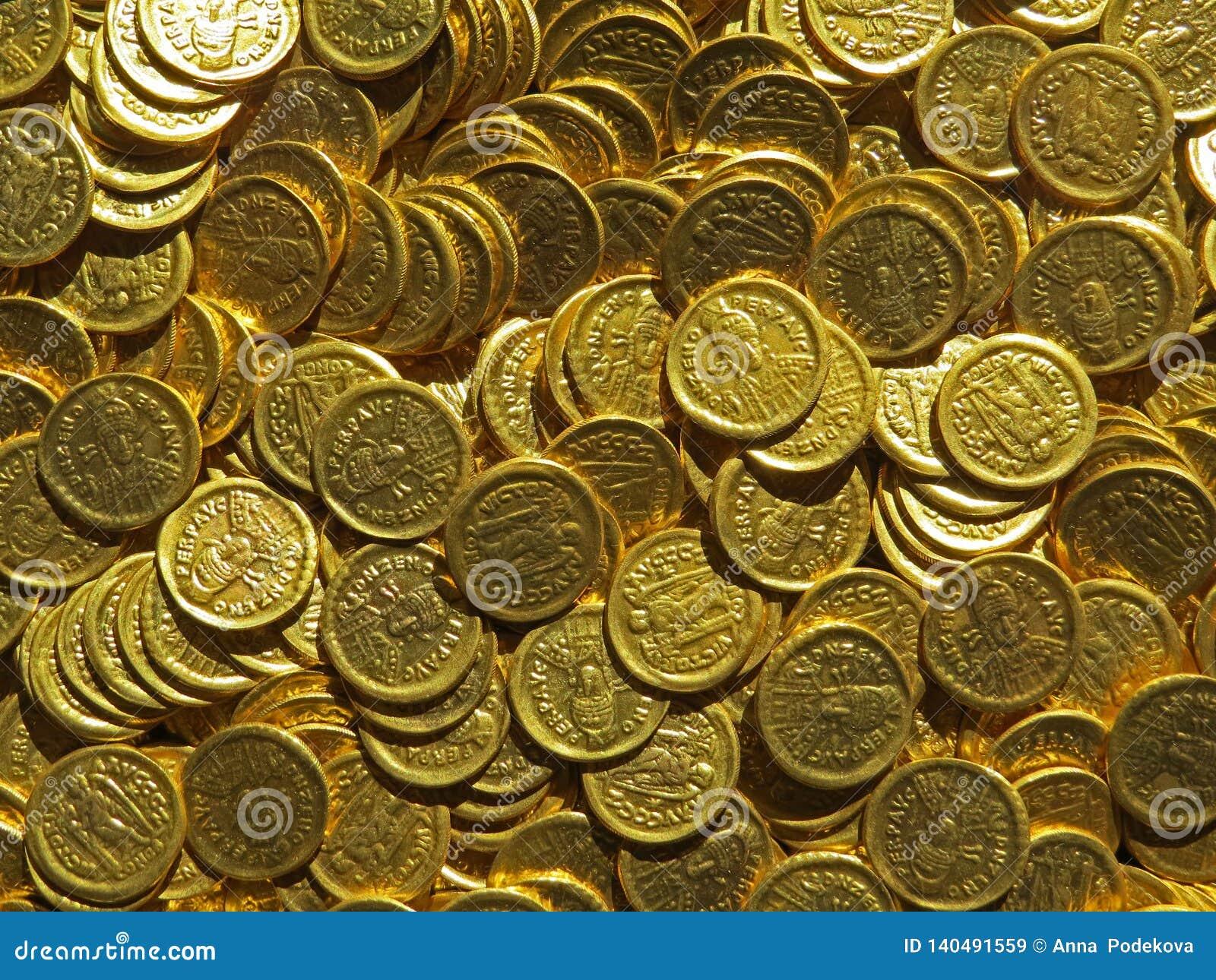 Oude muntstukschat Gestempeld gouden rond geld