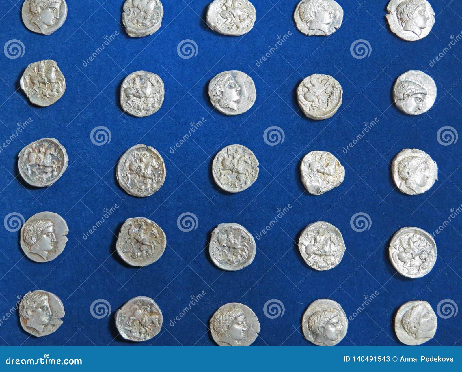 Oude muntstukschat Gestempeld zilveren rond geld
