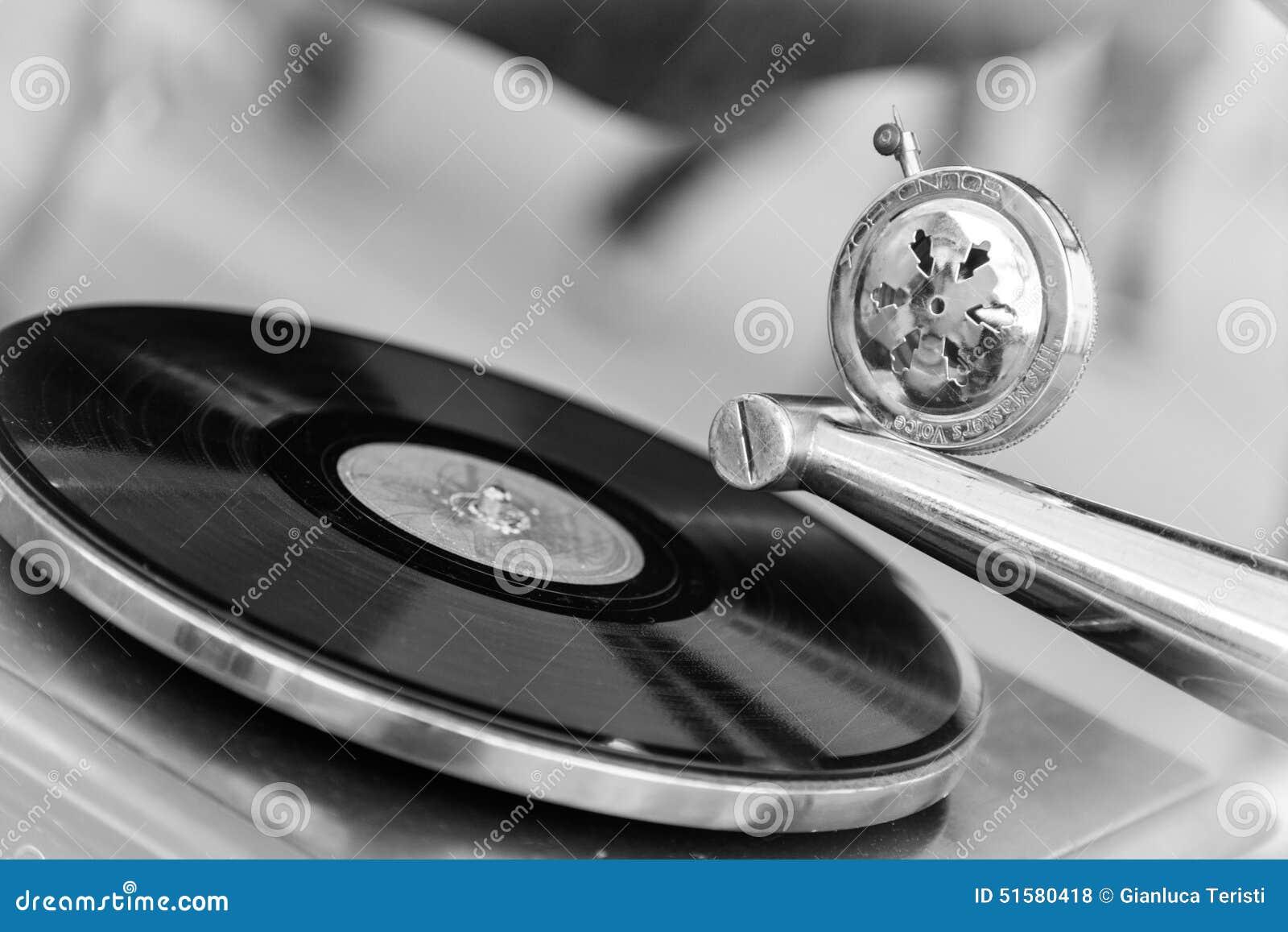 Platenspeler Als Decoratie : Oude platenspeler stock foto. afbeelding bestaande uit schijf 51580418