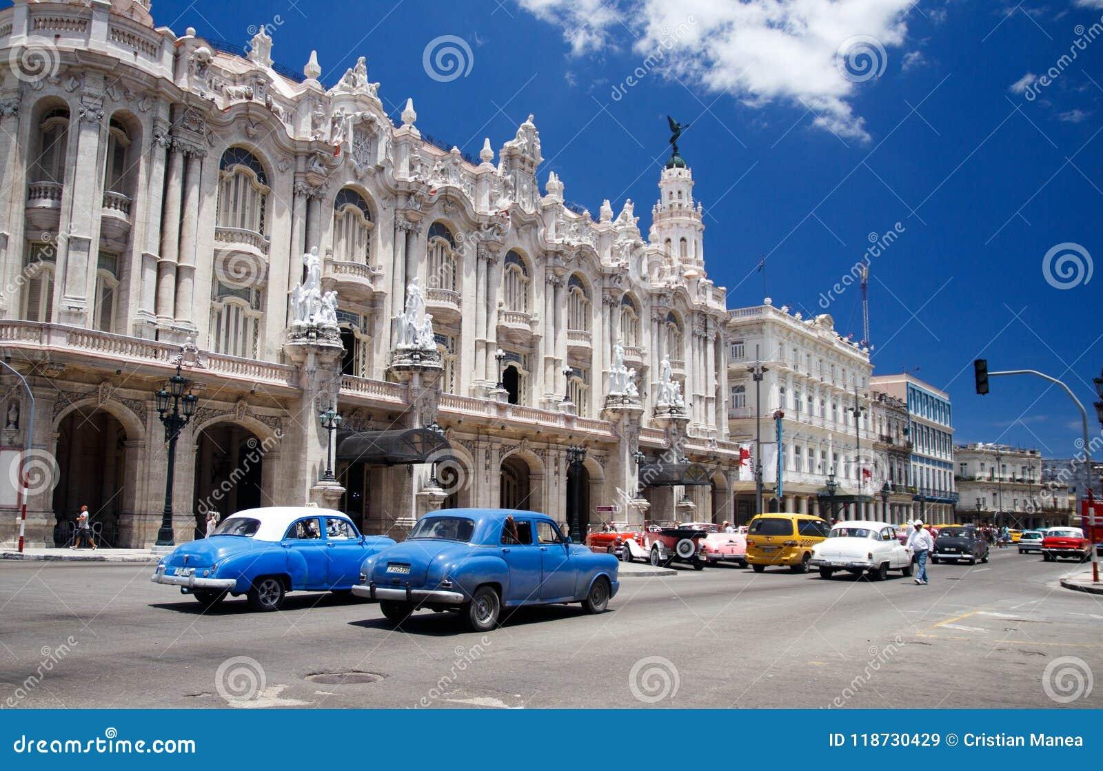 Oude retro klassieke Amerikaanse auto s in Havana, Cuba - 4