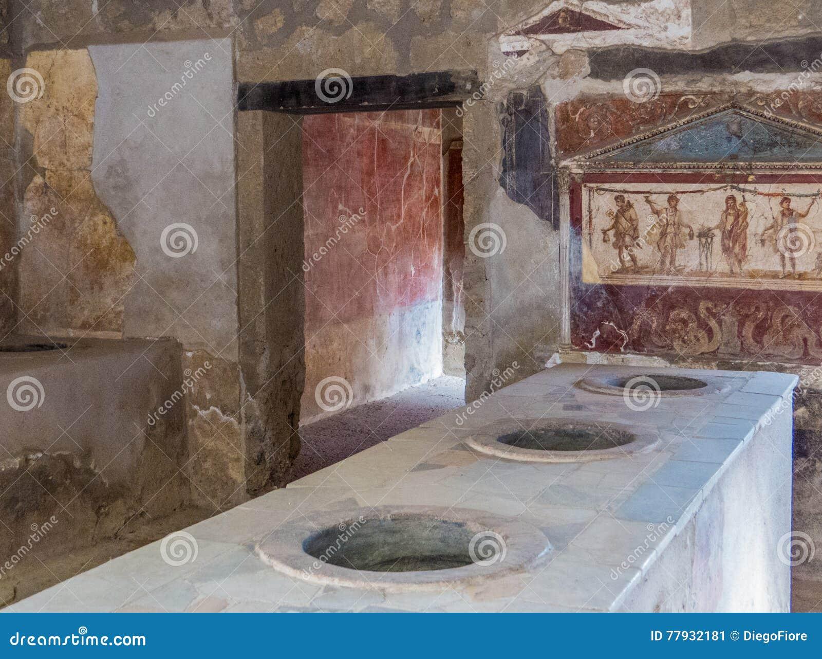 Oude roman keuken in pompei stock afbeelding afbeelding bestaande