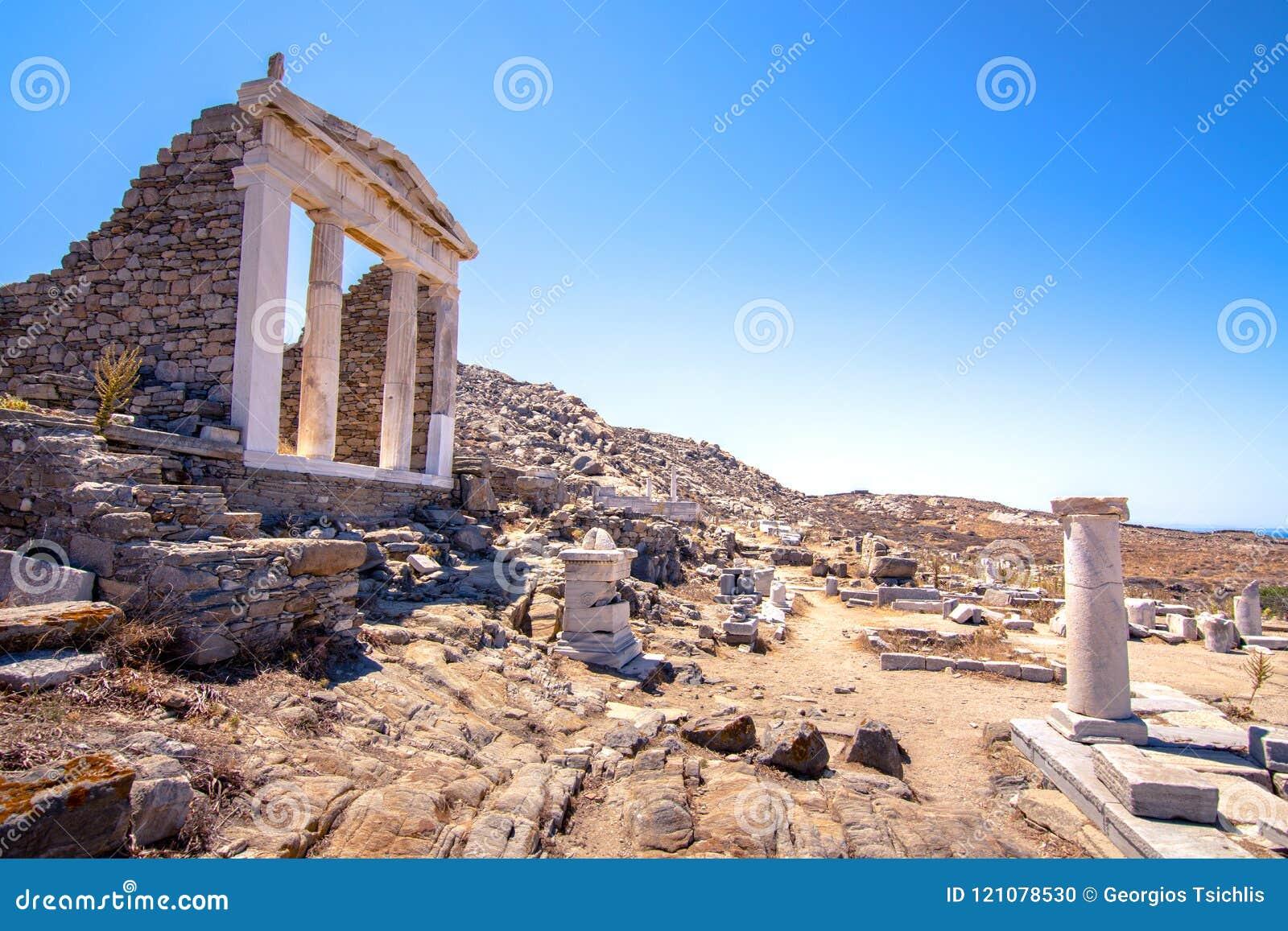 Oude ruïnes in het Eiland Delos in Cycladen, één van de belangrijkste mythologische, historische en archeologische plaatsen