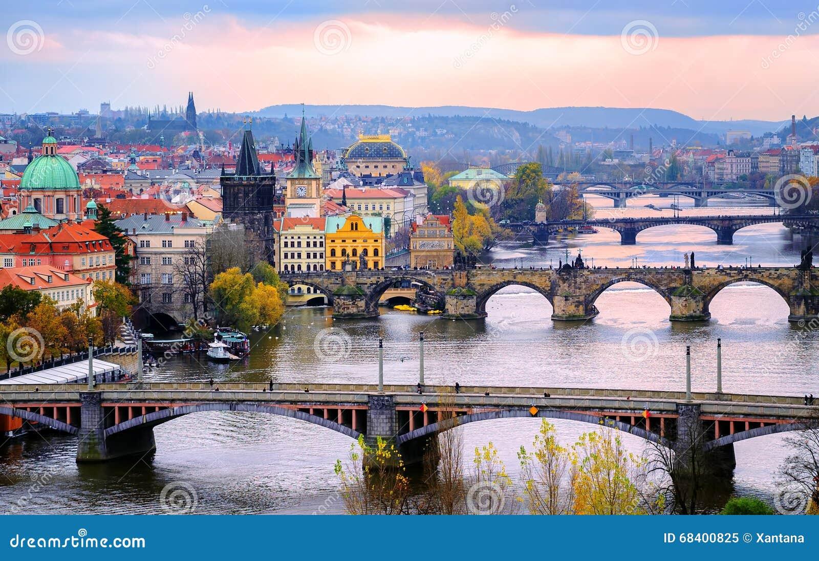 Oude stad en de bruggen, Praag, Tsjechische Republiek