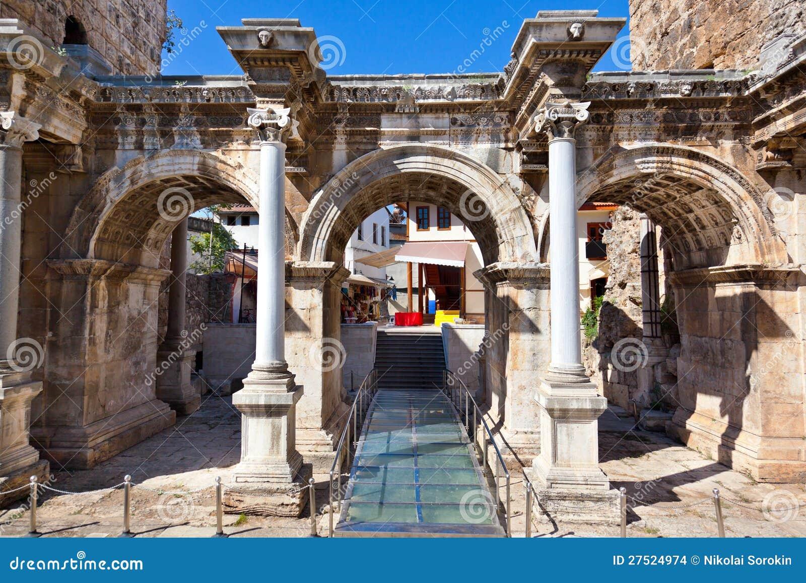 Oude Stad Kaleici In Antalya Turkije Stock Afbeeldingen ...