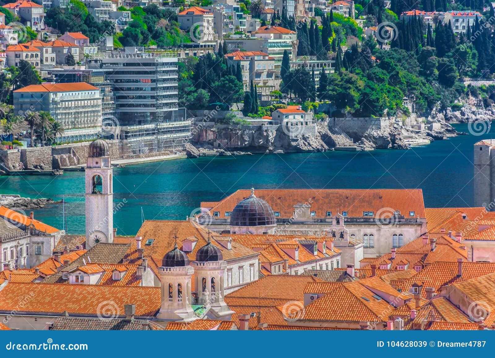 Download Oude Stad In Kroatië, Dubrovnik-cityscape Stock Afbeelding - Afbeelding bestaande uit historisch, bestemming: 104628039