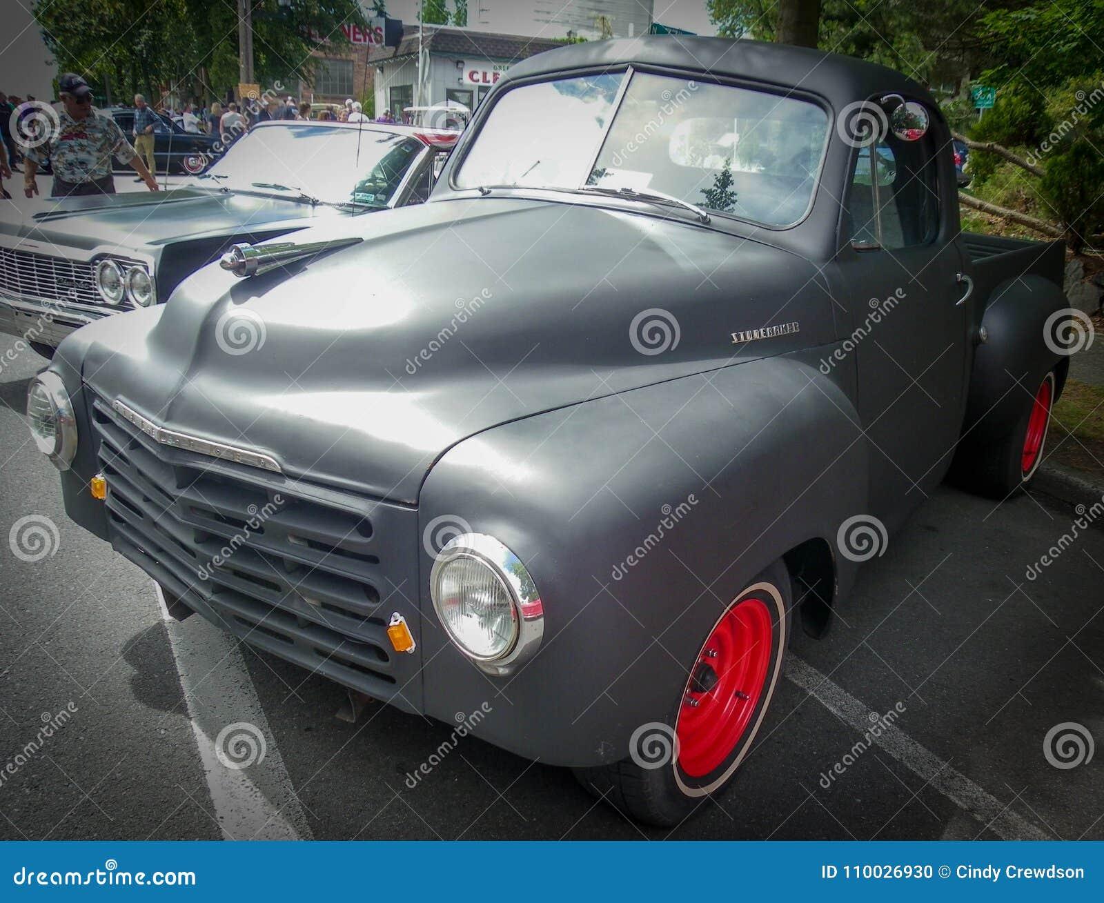 Oude Studebaker-gerenoveerde Vrachtwagen