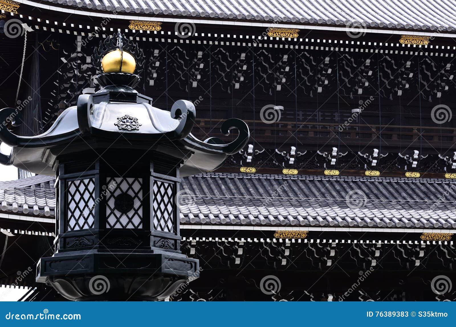 Oude tempel en lantaarn, Kyoto Japan