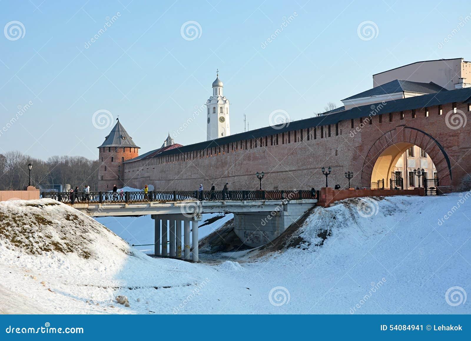 Oude torens van Novgorod het Kremlin