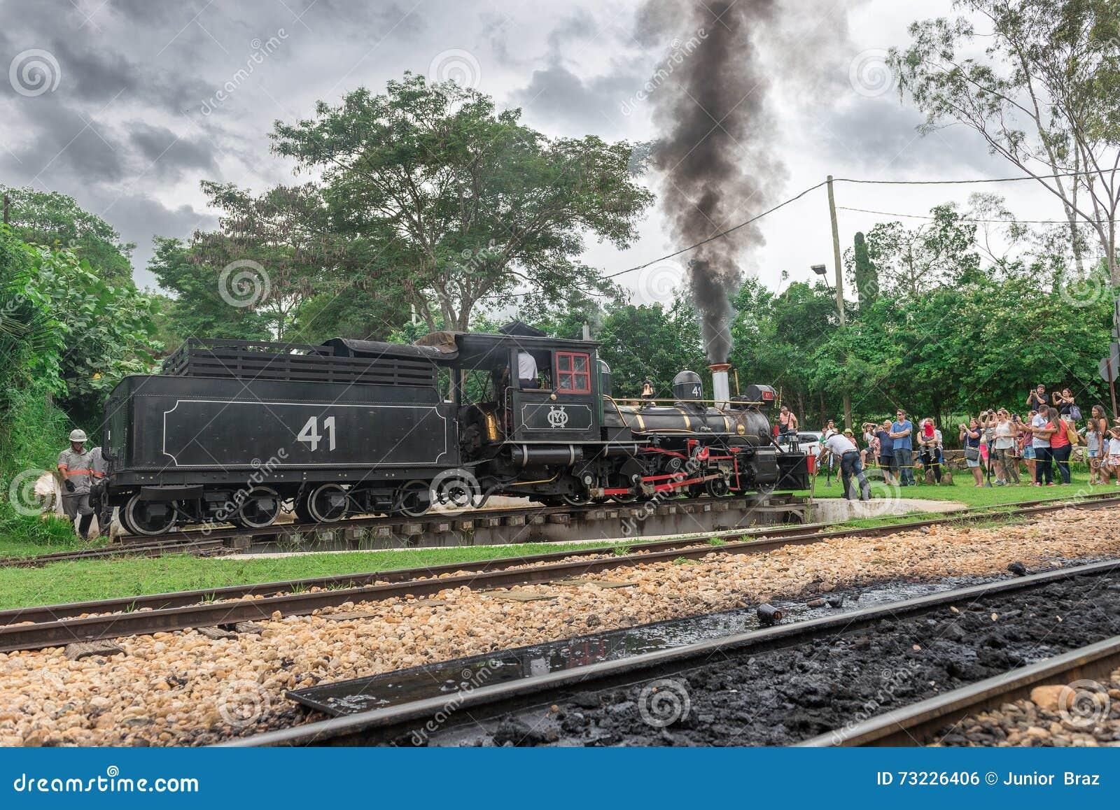 Oude trein ( Maria Fumaca ) in Tiradentes, een Koloniale stad