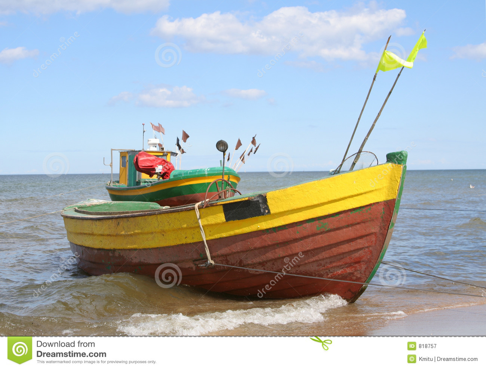 Oude vissersboten tegen mooie hemel #2
