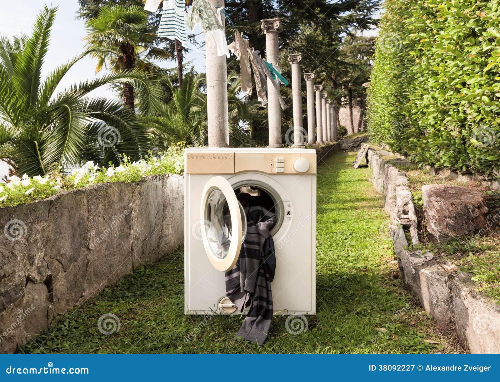 Oude wasmachine stock afbeelding afbeelding bestaande uit idee