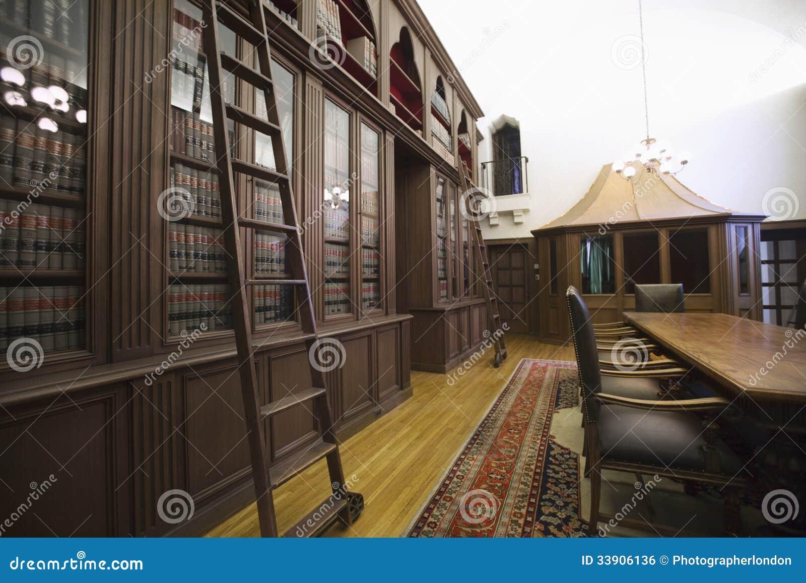 Ouderwetse Huisbibliotheek stock foto. Afbeelding bestaande uit orde ...