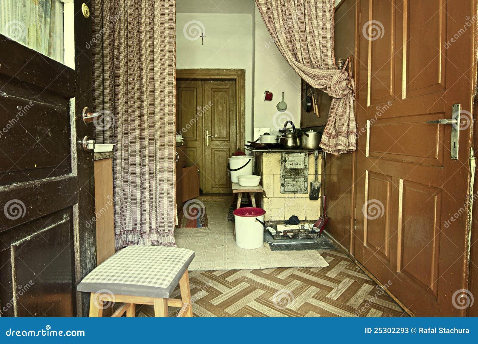 Ouderwetse keuken stock afbeelding. afbeelding bestaande uit land