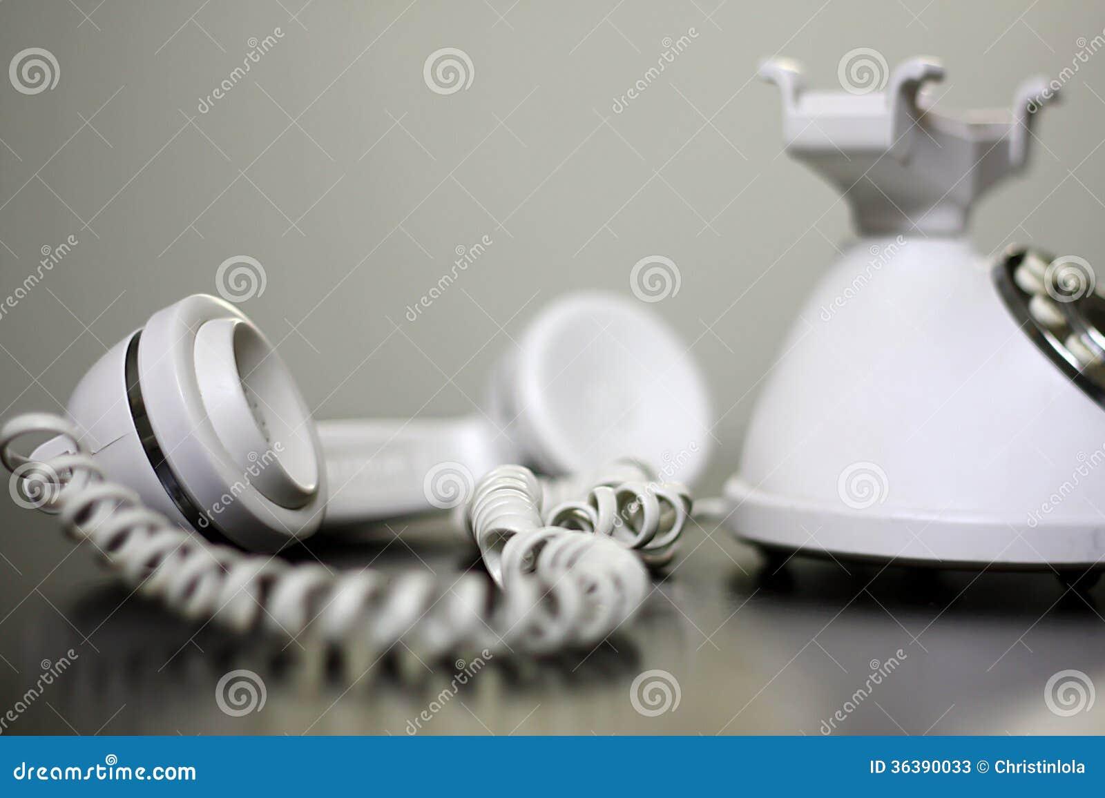 Ouderwetse Witte Telefoon Van De Haak Stock Afbeelding Afbeelding