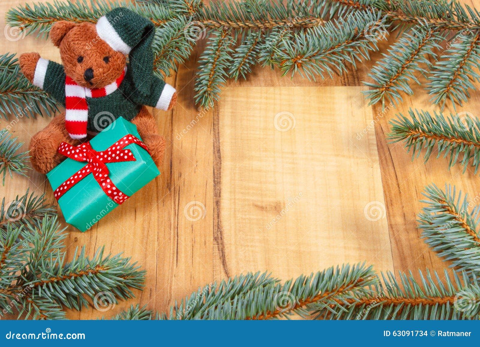 Download Ours De Nounours Avec Le Cadeau Vert Pour Noël Et Les Branches Impeccables, L'espace De Copie Pour Le Texte Photo stock - Image du nounours, fleuri: 63091734