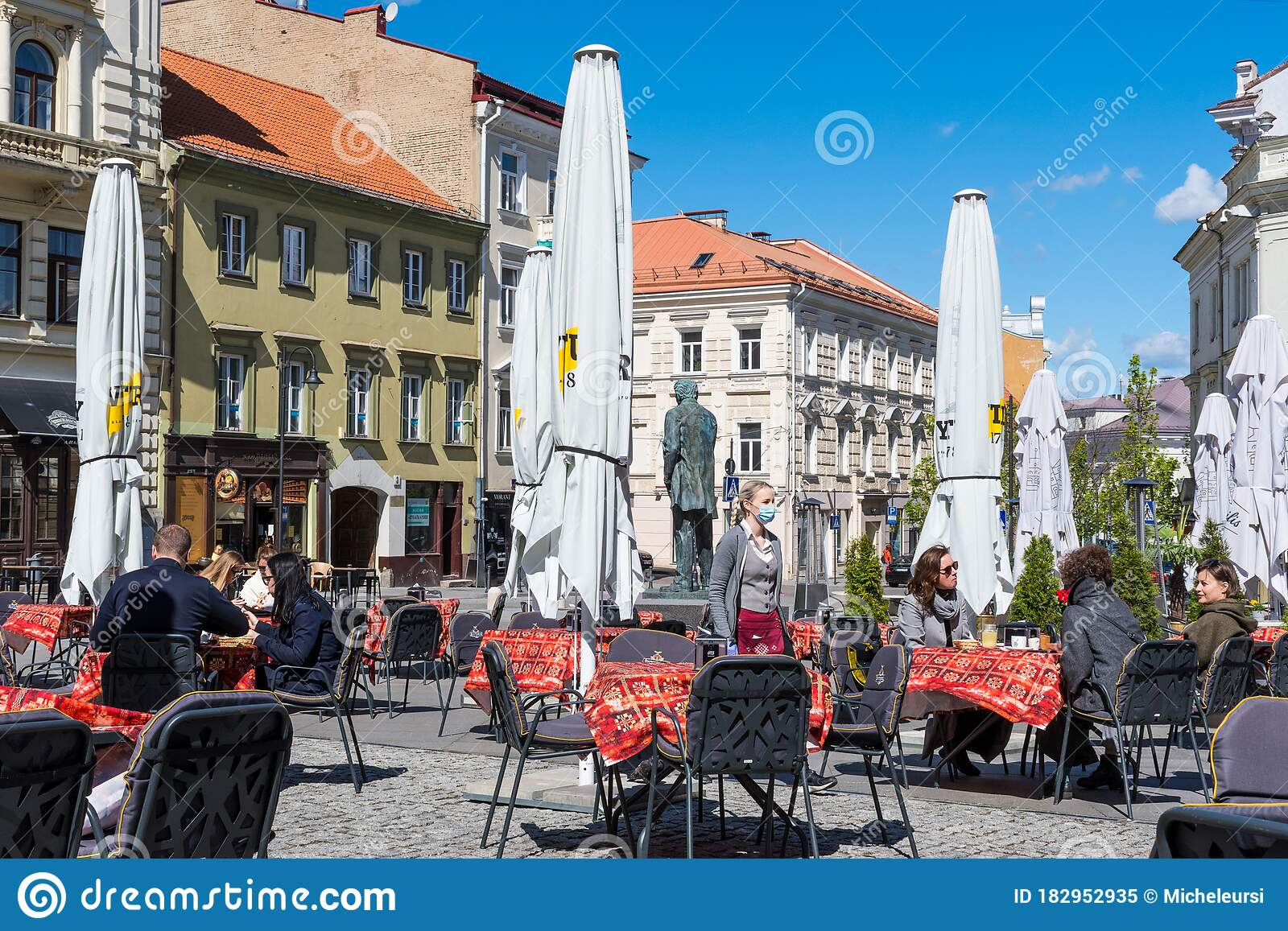 Outdoor Bar And Restaurant With Clients And Waitress With Mask Editorial Image Image Of Lithuania Physical 182952935