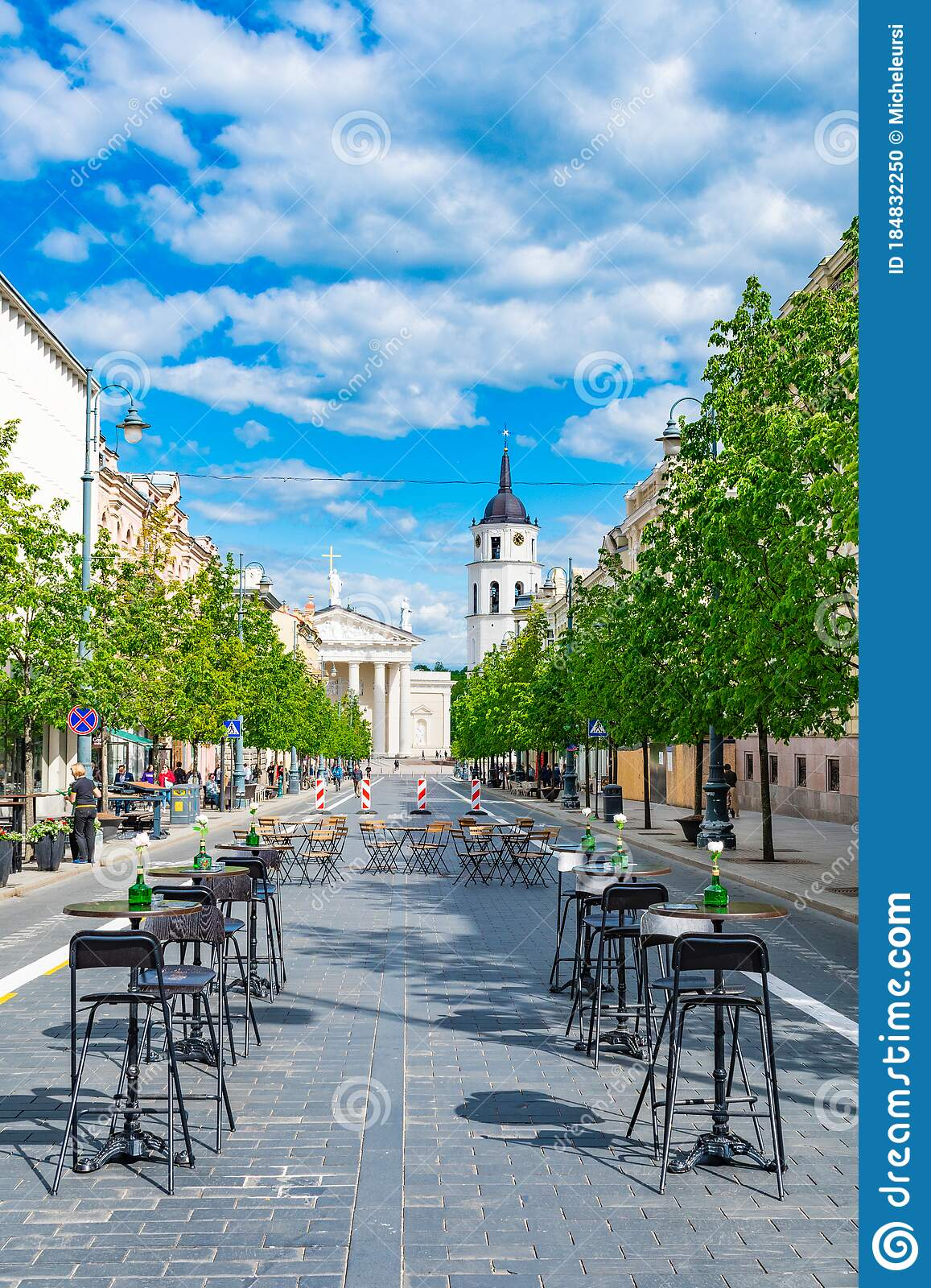 Outdoor Bar And Restaurant In Vilnius Lithuania Editorial Image Image Of Quarantine Distancing 184832250