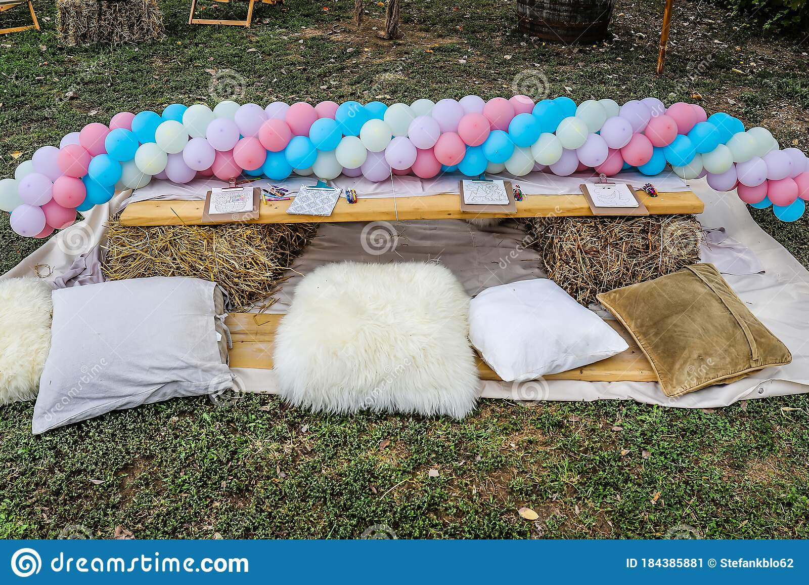 Outdoor Birthday Party Decoration Stock Image Image Of Crayons Grass 184385881