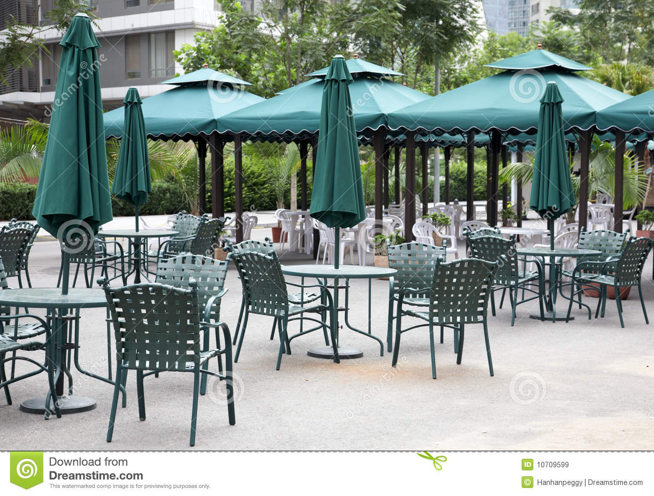 Outdoor Cafe Royalty Free Stock Images - Image: 10709599