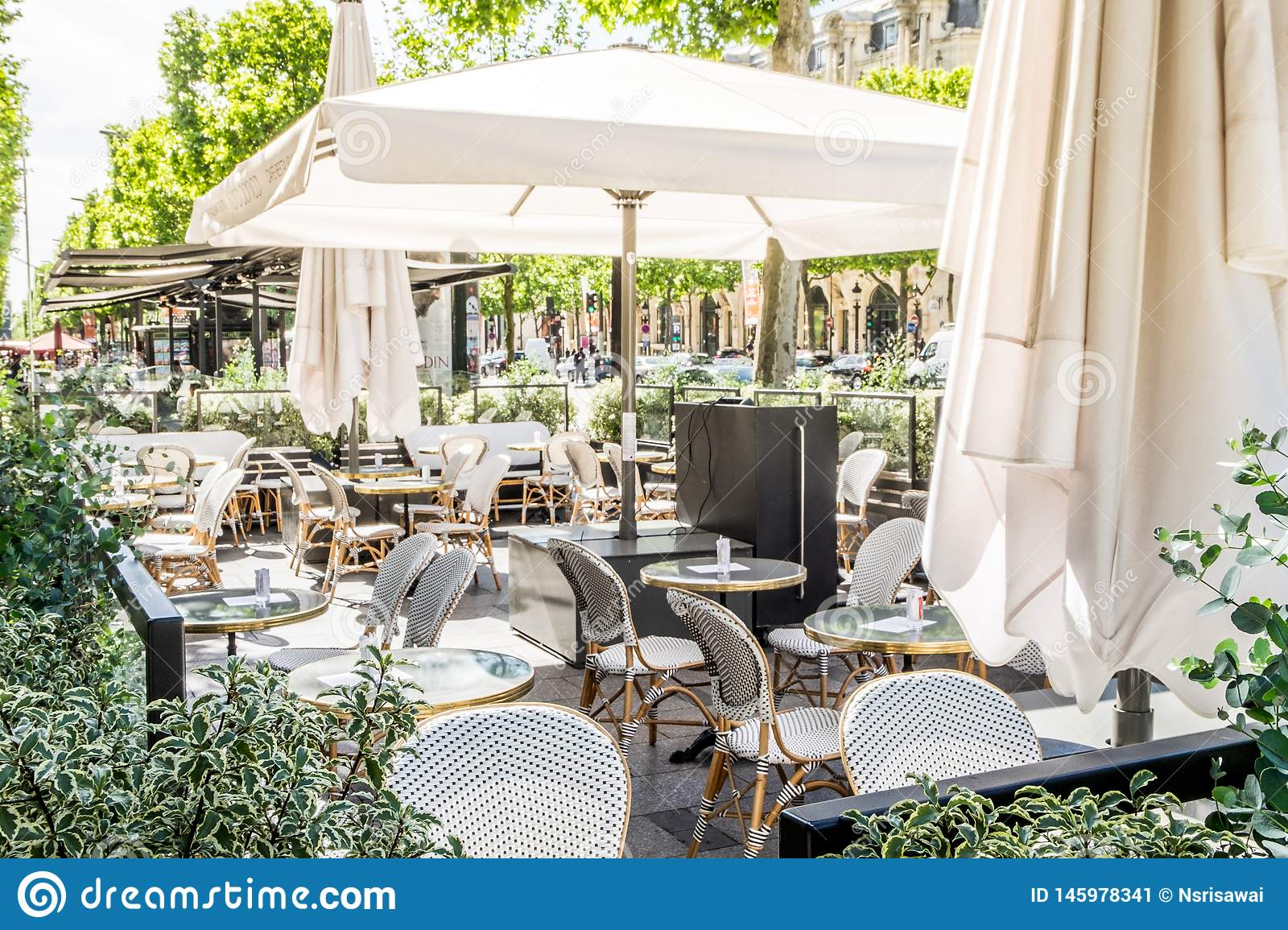 An Outdoor Cafe Or Restaurant In Paris France Stock Image Image Of Blur Decoration 145978341