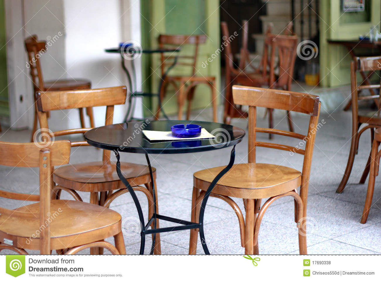 Outdoor cafe chairs - Cafe Chairs Empty Outdoor