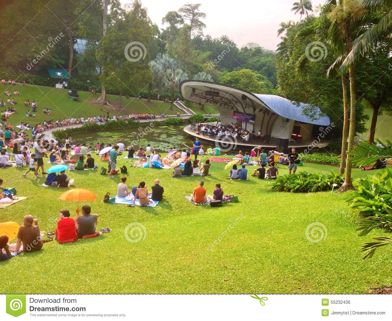Outdoor concert botanic gardens singapore editorial for Au jardin singapore botanic gardens