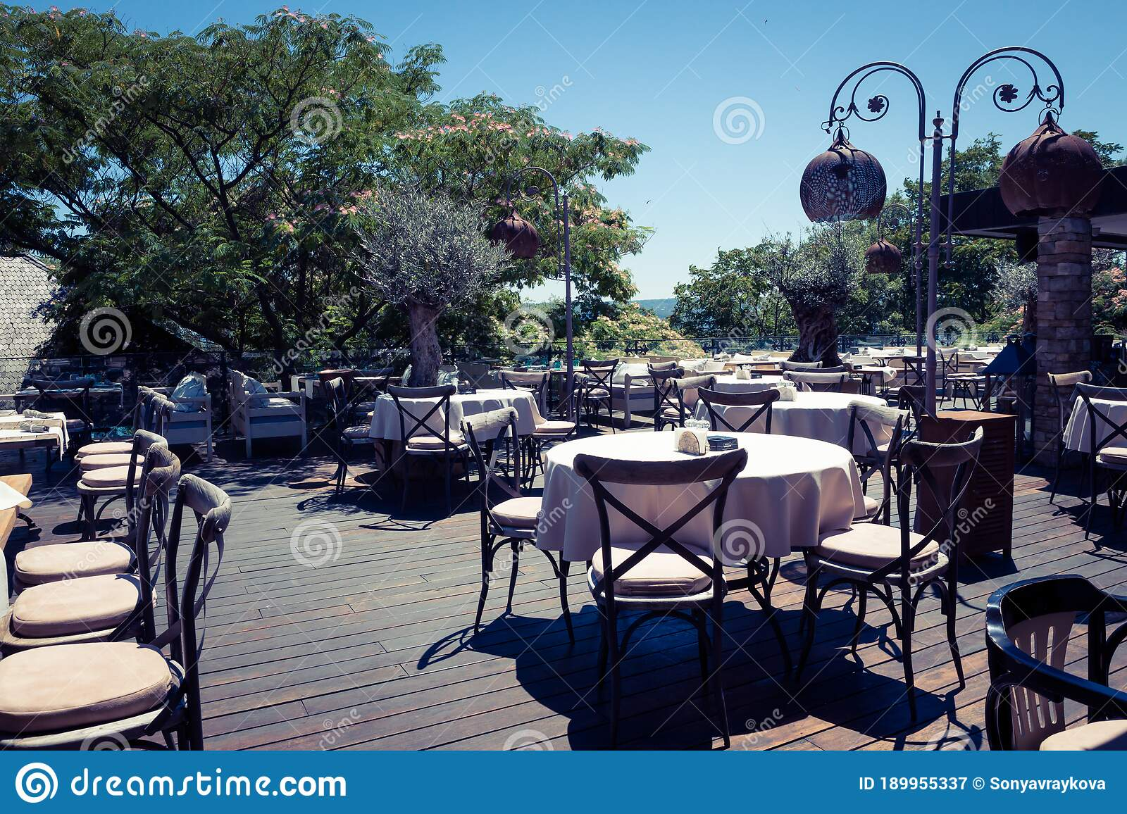 2 143 Fancy Outdoor Restaurant Photos Free Royalty Free Stock Photos From Dreamstime