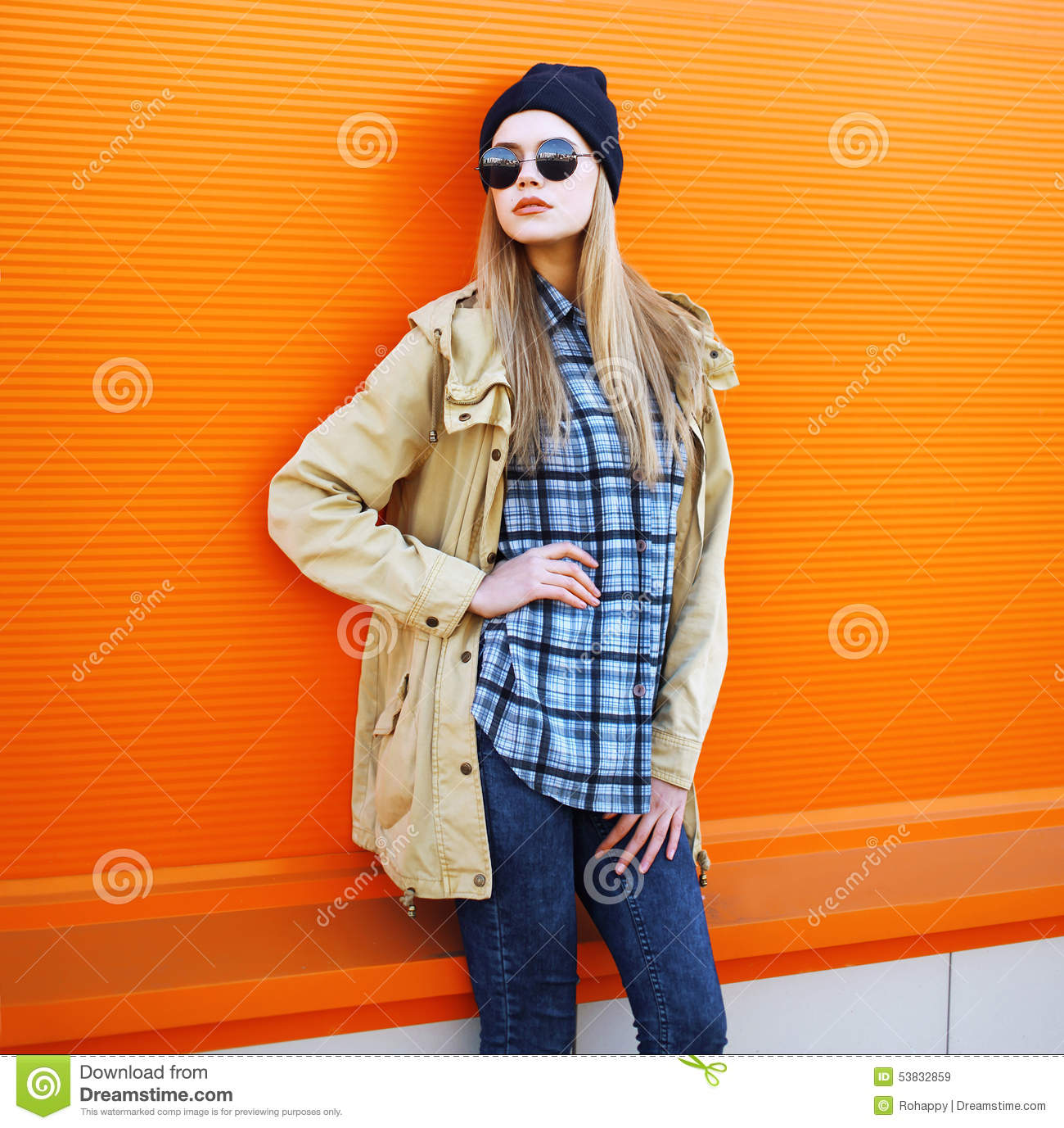 Hipster Fashion Photography: Outdoor Fashion Portrait Of Stylish Hipster Cool Girl